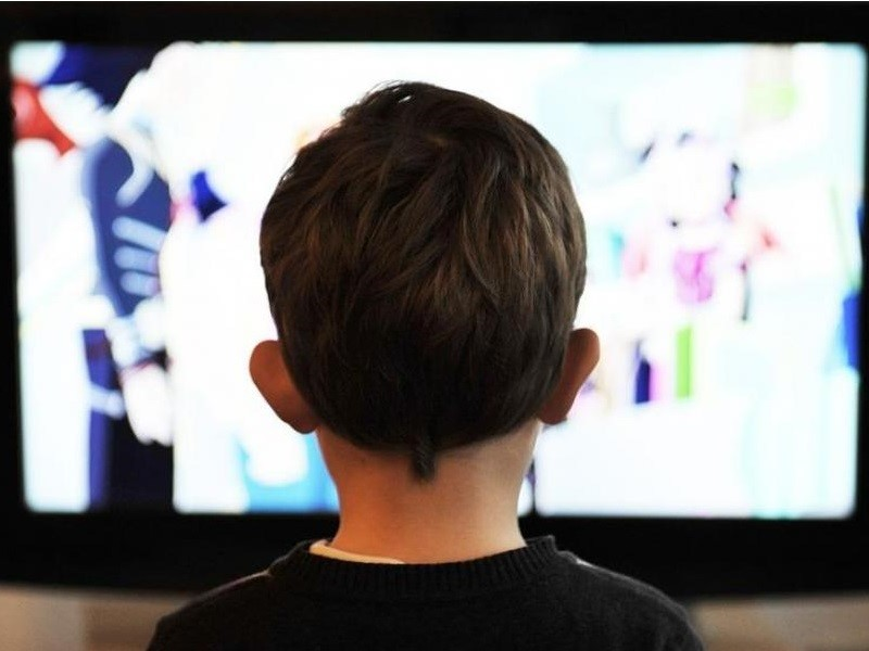 How too much screen time is affecting your mental and physical health 2